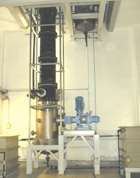Pulsed Extraction Column
